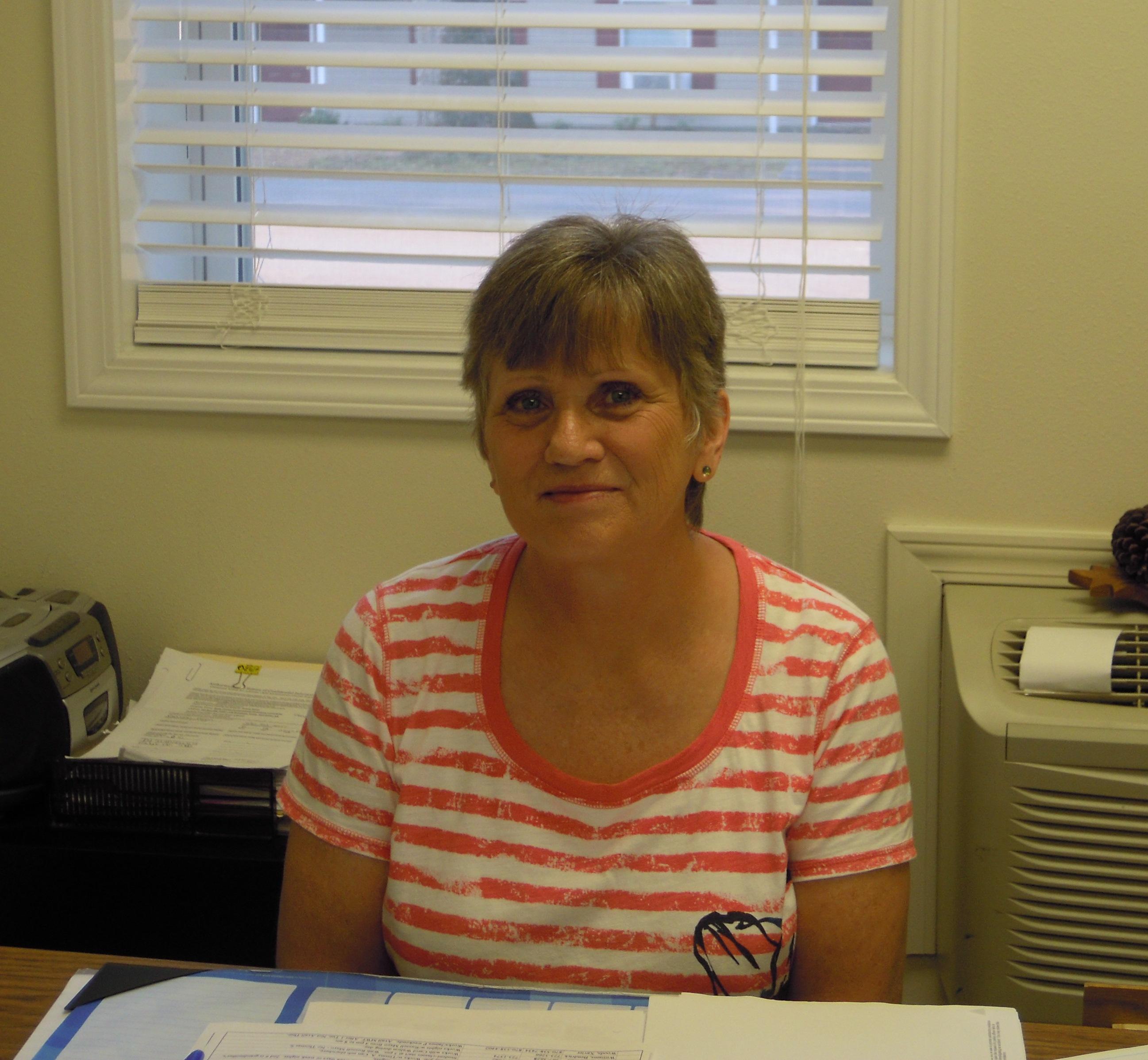 Debbie Barnes : Finance/HR Officer
